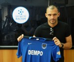Beto with Dempo jersey at Club house