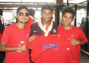 Nirmal-Chhetri-Poses-with-Nepali-Football-Fans