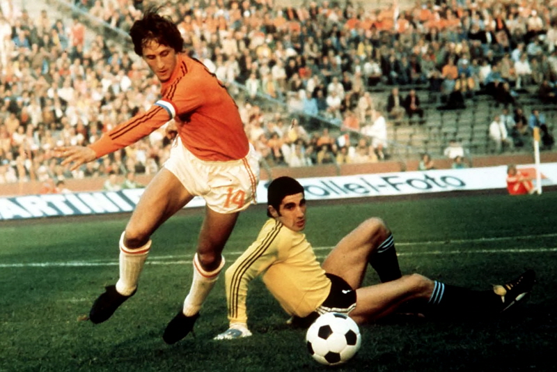 Johann Cryuff, top  exponent of 'Total Football' and  Ballon d'Or winner, failed to win the final of 1974 world cup against West Germany